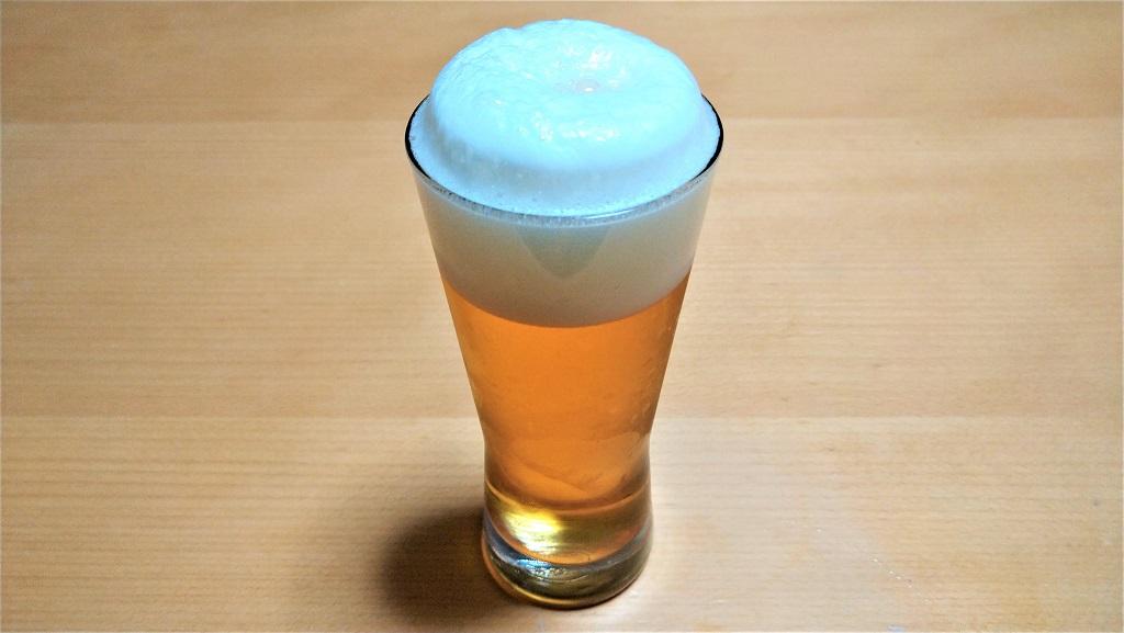 ビール 三度つぎ